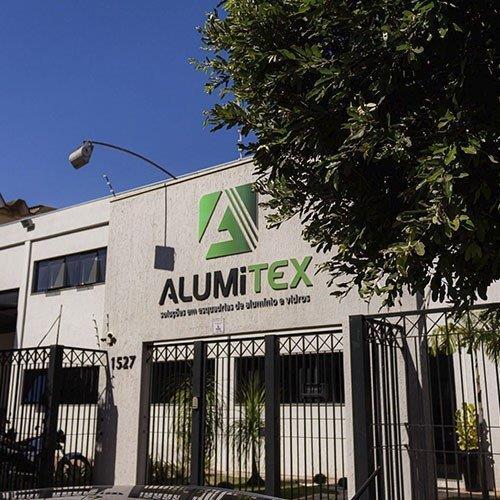 Empresa especialista em esquadrias de alumínio